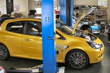 RENAULT SPORT CLIO F1 TEAM R27