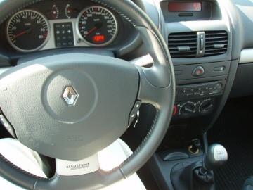 RENAULT CLIO TROPHY