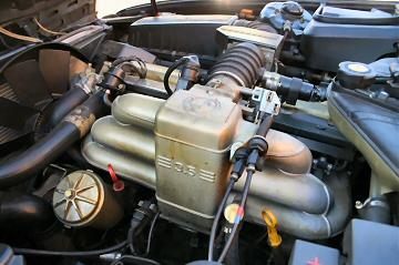 E32 BMW 735
