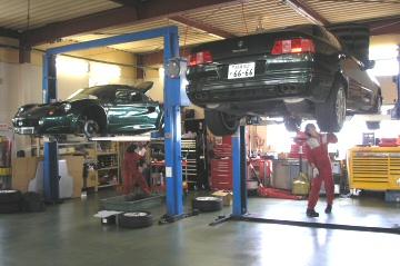 MASERATI Quattroporte Evo.V8 and LOTUS ELISE